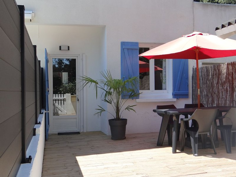 Bel appartement 2 pièces 2 à 4 pers avec grande terrasse, proche plage, au calme, vakantiewoning in Medis