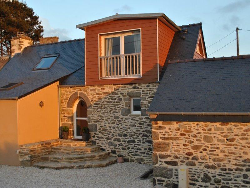 Pointe du Finistère, Gîte 4 personnes, vue mer, entre mer d' Iroise et les Abers, holiday rental in Ploudalmezeau