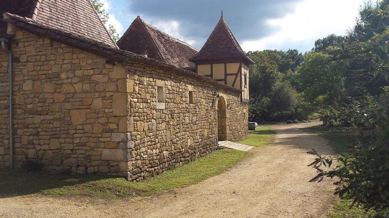 Grande propriété du XVIII° siècle de 15 hectares au coeur du Périgord vert, alquiler vacacional en Lanouaille