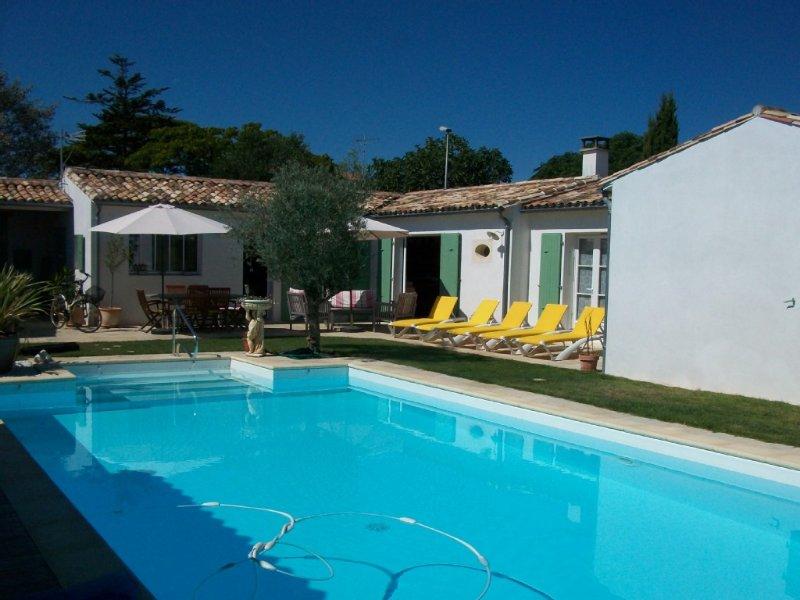 Belle maison, bien située et bien équipée pour d´agréable vacances., holiday rental in Sainte Marie de Re