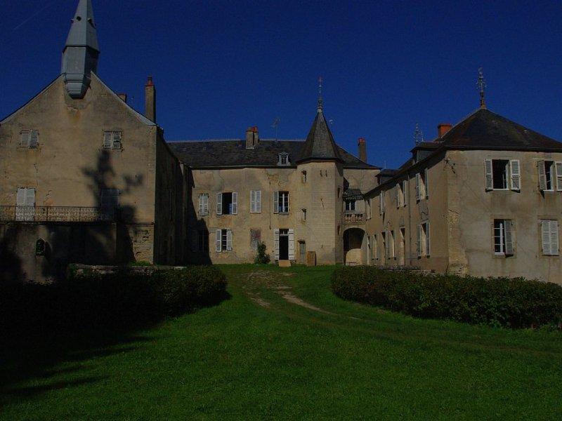Château de Bussy-la-Pesle, casa vacanza a La Bussiere-sur-Ouche