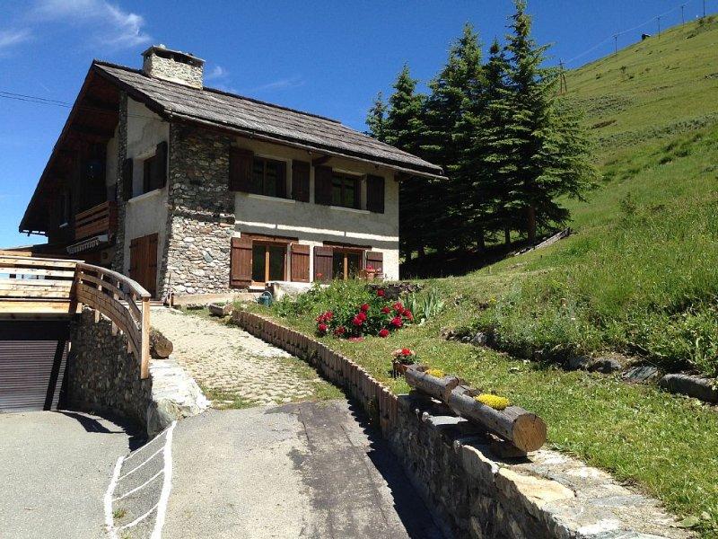 CHALET SOLENIOU*** A ST VERAN, EN PLEINE NATURE, POUR VOS VACANCES EN MONTAGNE, holiday rental in Hautes-Alpes