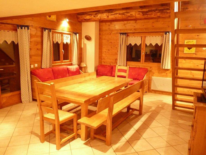 Chalet La Pèya avec 4 chambres dans chalet individuel, alquiler de vacaciones en Ala di Stura