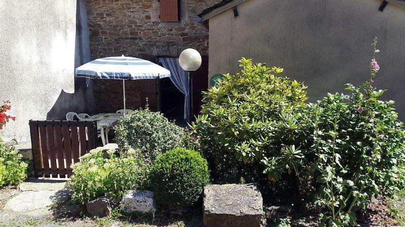 Gite a Lavabre, vallée du Tarn, holiday rental in Rullac-Saint-Cirq