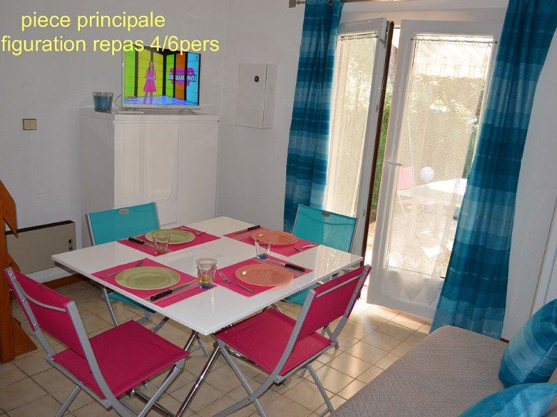 Maisonnette 2/4 personnes à 250 m plage , parking privé et jardin, casa vacanza a Semussac