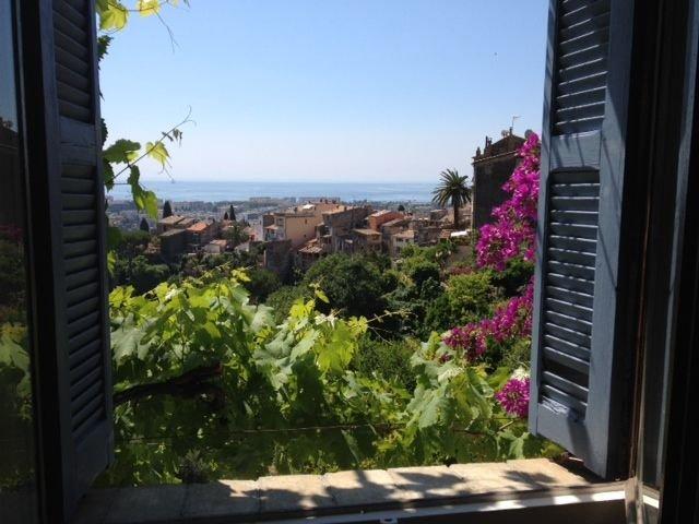 CAGNES SUR MER - Bourg médiéval - STUDIO DE CHARME, alquiler de vacaciones en Cagnes-sur-Mer