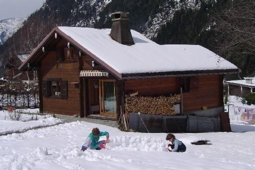 Rent winter season CHALET 5 people in CHAMONIX MONT BLANC LES BOSSONS, location de vacances à Les Bossons
