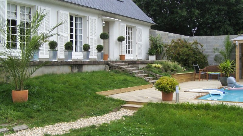Maison avec piscine privée, casa vacanza a La Foret-Fouesnant
