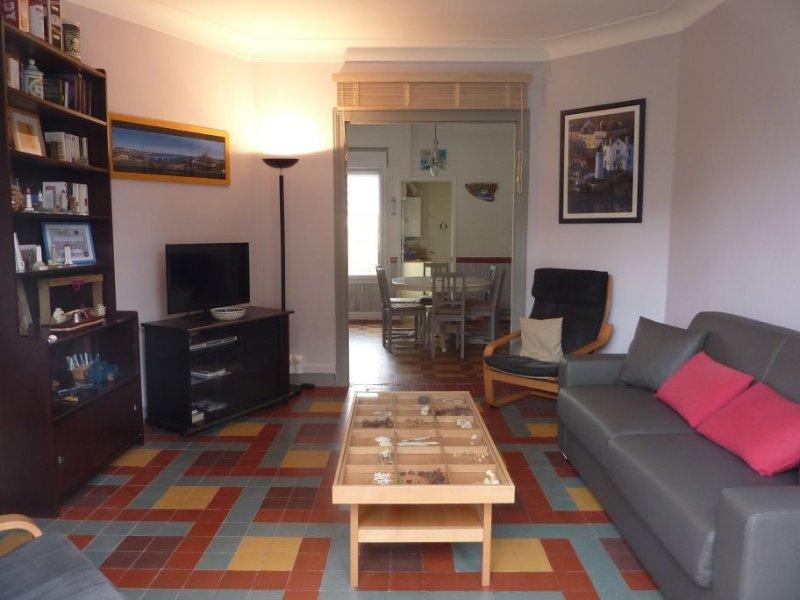 Maison sablaise 80m2 avec cour plein sud, Wi-Fi gratuit, location de vacances à Les Sables d'Olonne