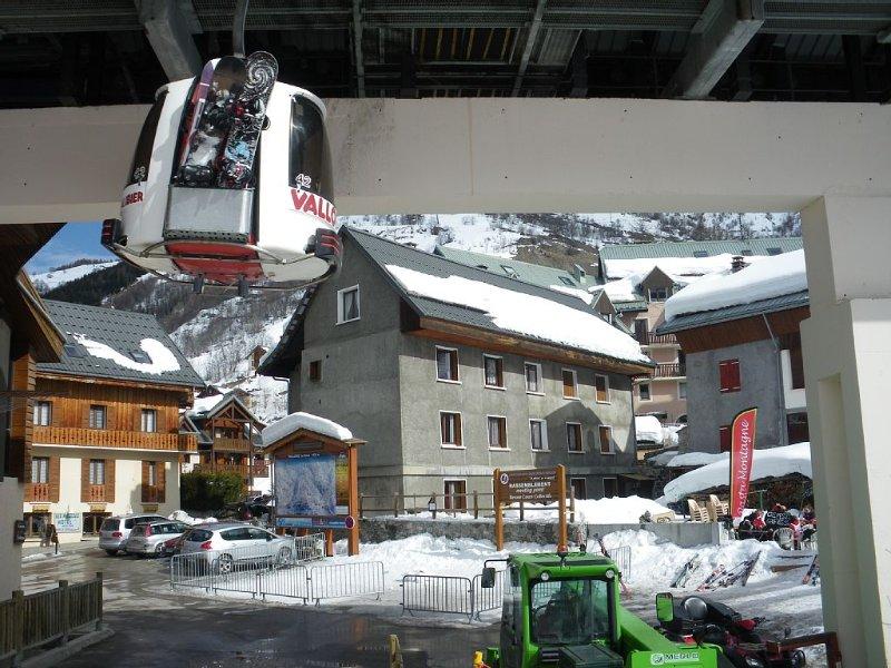 Au départ de la télécabine, appartement 4 à 6 pers. vue sur pistes, location de vacances à Valloire