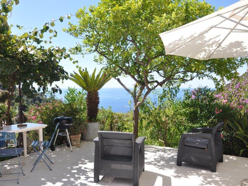 Color Garden: Exceptional sea view and Mediterranean garden, for 4., casa vacanza a Eze