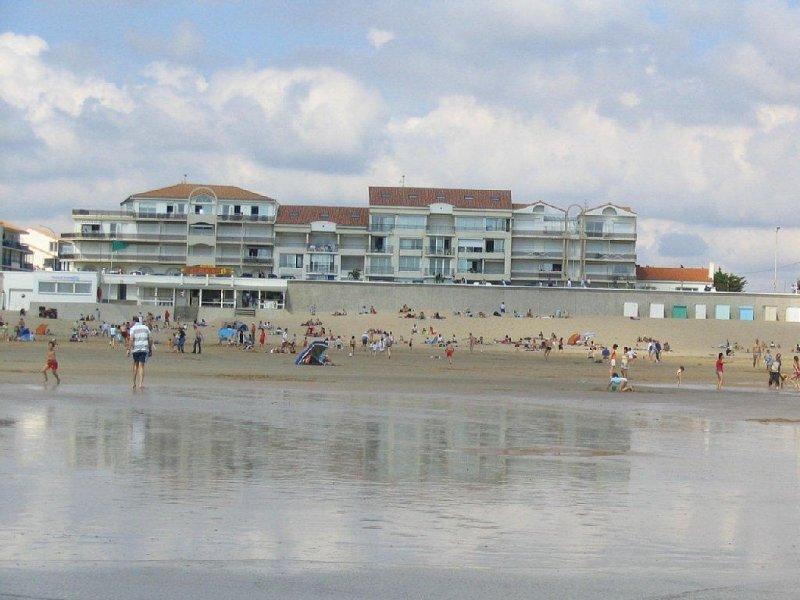 Appartement T2 face à l'océan - Esplanade St-Jean de Monts, vacation rental in Saint-Hilaire-de-Riez
