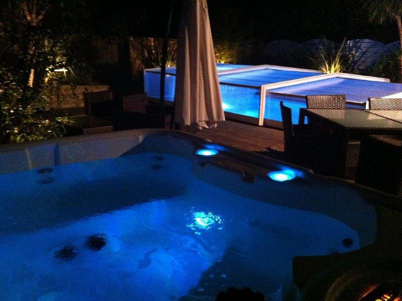 Proche Soulac, piscine privée couverte chauffée, jacuzzi, Sauna, salle fitne, location de vacances à Talais