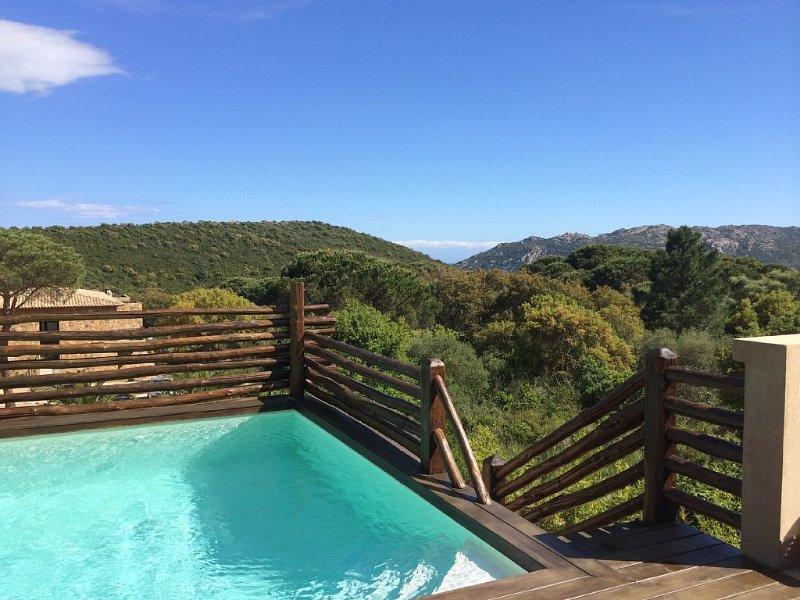 Charmante villa avce piscine à Porto Vecchio proche de la plage de Santa Giulia, holiday rental in Pietra Longa Salvini