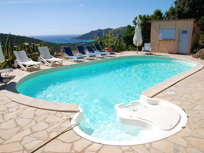 4 pièces 75 m2 en rez de jardin avec piscine, holiday rental in Pietra Longa Salvini