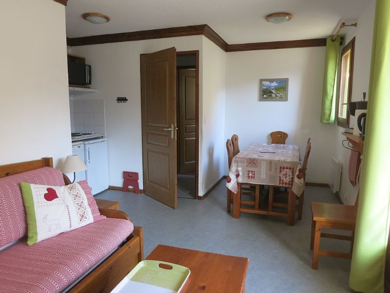 Appartement 4/6 personnes dominant Valloire tout en étant à 300 m du centre, holiday rental in Valloire