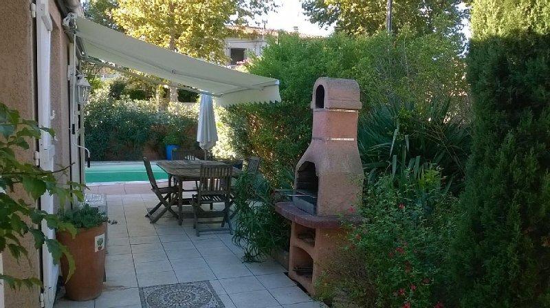 Villa 8  places, climatisée avec piscine privée  proche centre., location de vacances à Marseillan