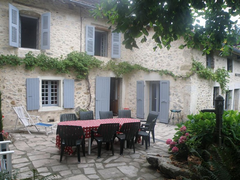 Maison de famille en Chartreuse, holiday rental in Chirens