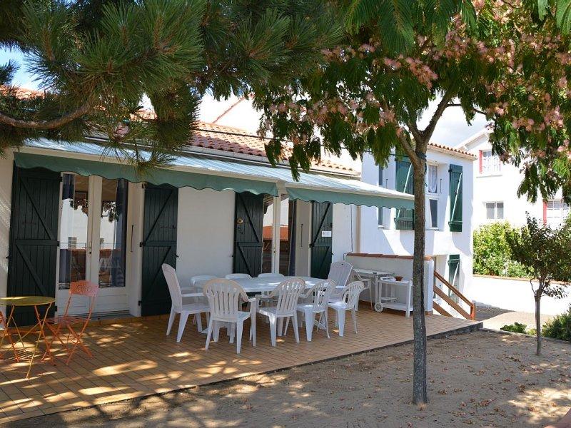 Belle maison de famille 10 couchages, 400 m de la plage, commerces, animation..., vacation rental in La Tranche sur Mer