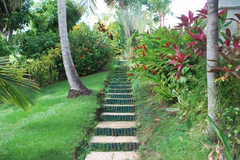 SUPERBE BAS DE VILLA -PISCINE-IDEAL VOYAGES D'AFFAIRES ET TOURISME BALNEAIRE, Ferienwohnung in Martinique