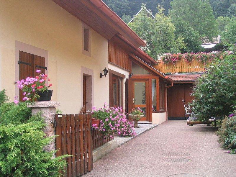 Gîte dans ancienne ferme, 5 personnes, parc naturel des Ballons des Vosges, holiday rental in Sondernach