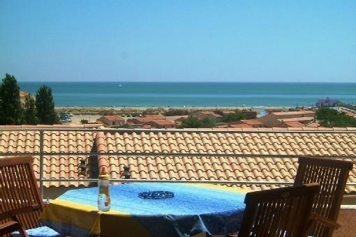 Vue panoramique sur la mer méditerrannée et sa grande plage, holiday rental in Fleury