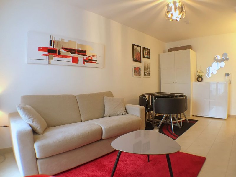 Spacieux appartement 2pax Val d'Europe/Disneyland 10mn (TRIANONS 1), vacation rental in Serris