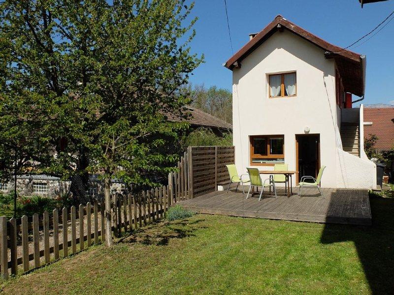 Petite maison St Jorioz - Lac d'Annecy, holiday rental in Saint-Jorioz