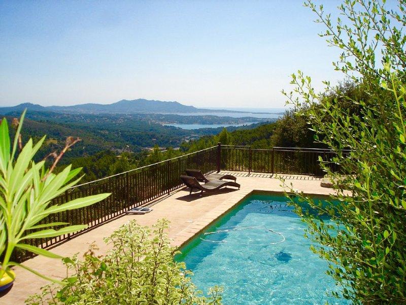 GRAND MAS vue baies de BANDOL , SANARY , PROMO SEPTEMBRE, holiday rental in La Cadiere d'Azur