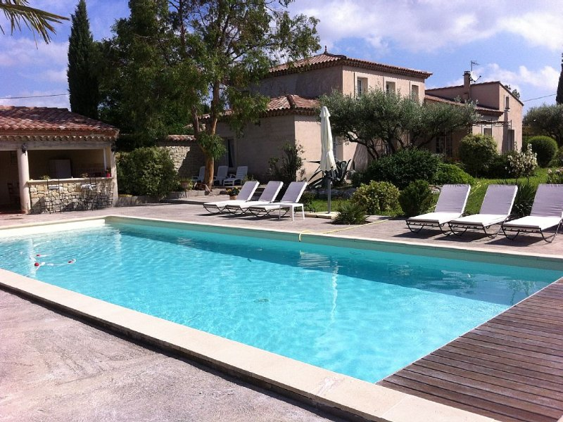 The farmhouse of the hoopoe, family home in Provence, Villa any comfort secure, vacation rental in Carpentras