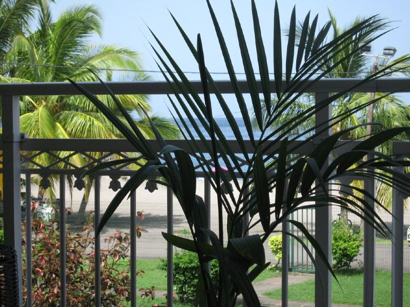 APPARTEMENT les pieds dans l'eau, holiday rental in Martinique
