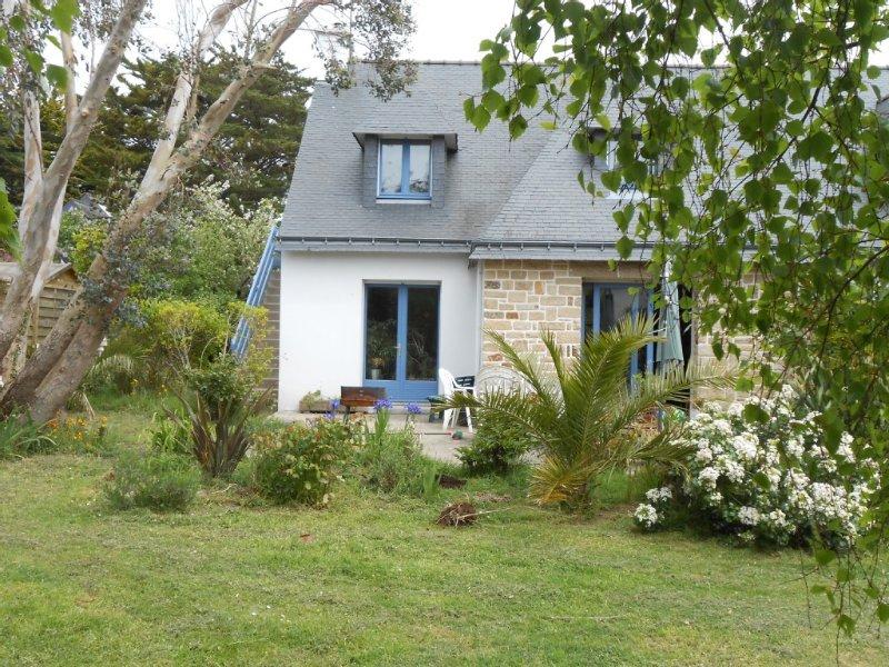 appartement indépendant dans maison  à 300m de la plage de Saint Colomban, holiday rental in Carnac