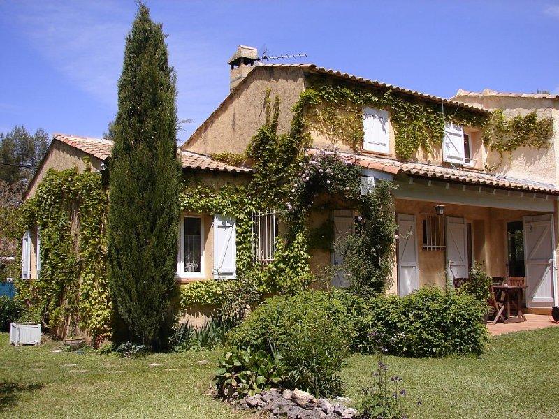 Calme, reposant et ressourçant - classé 3 *, holiday rental in Nans-les-Pins