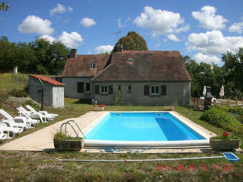 gite en pierre 8 pers avec piscine sécurisée  entre sarlat et rocamadour, location de vacances à Montfaucon