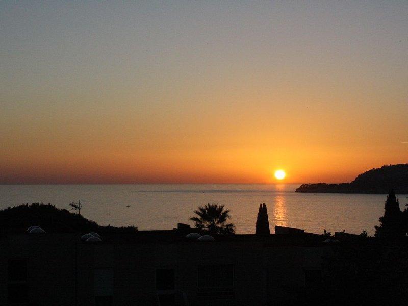 Appartement Cassis - Vue Panoramique Mer et Cap Canaille, location de vacances à Cassis