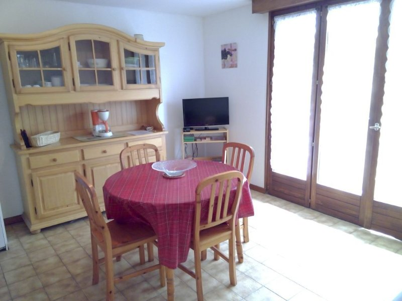 Quiet and Pleasant Studio 4 Persons in the heart, location de vacances à Doubs