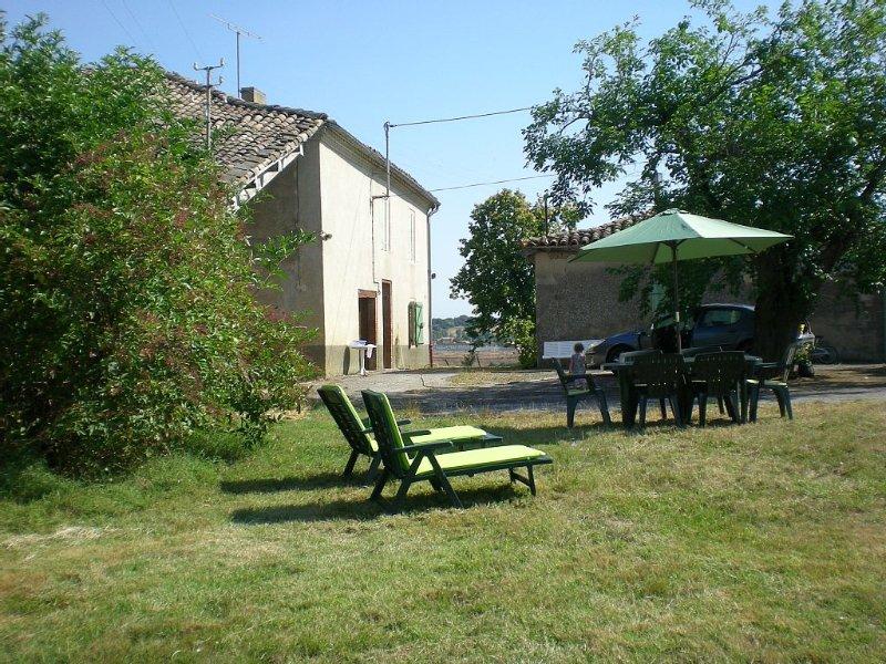 Maison de vacances  Les Vergnes   MONTDURAUSSE (TARN)               400 €, vacation rental in Monclar-de-Quercy