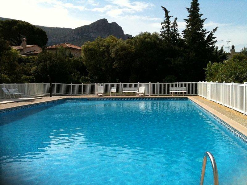 Villa climatisée dans résidence avec piscine et tennis - La Grande Bastide, holiday rental in Cassis