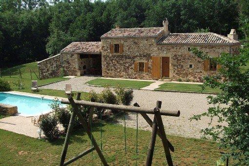 Gîte grand confort 4 prs piscine privée au coeur de la forêt de Biron, holiday rental in Monpazier