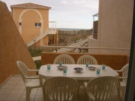 MAISON ACCES DIRECT PLAGE DEUX CHAMBRES face aux Grenadines, holiday rental in Marseillan