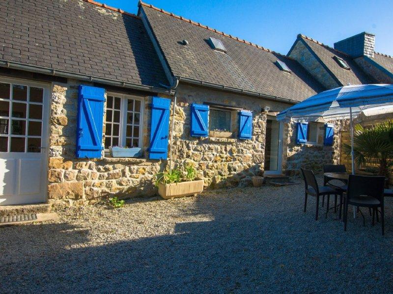 Maison en pierre proche plages sentiers rando, calme, charme, tout confort, Wifi – semesterbostad i Crozon