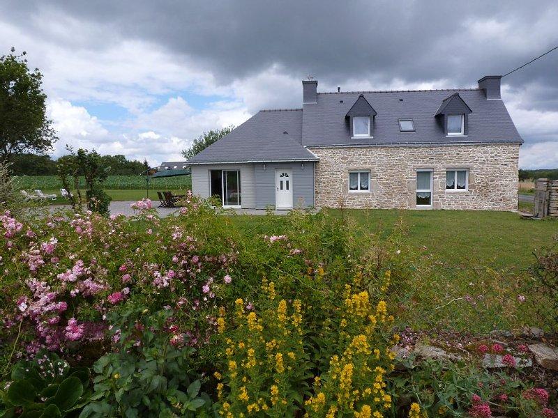 loue gite, maison ancienne, indépendante, rénovée avec soin, location de vacances à Questembert