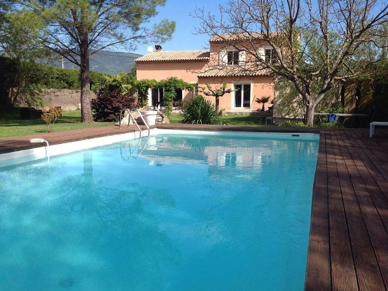 Provencal Fayence 8 people, private pool, vacation rental in Fayence