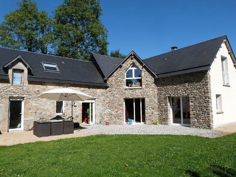 Gite 7 personnes, en campagne, tout confort, location de vacances à Saint-Michel-de-la-Pierre