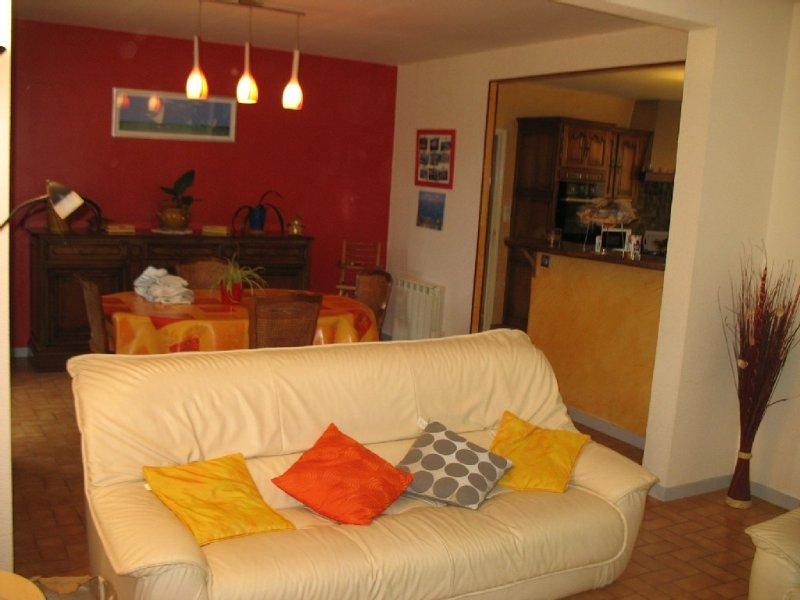 Maison  au calme a 1km du Golfe du Morbihan proximite commodites, holiday rental in Sainte-Anne-d'Auray