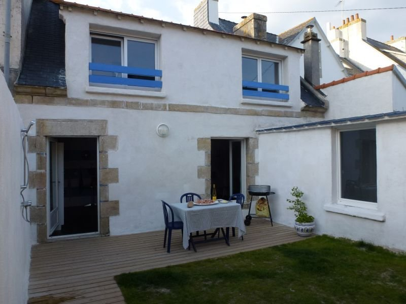 Charmante maison bretonne au cœur du bourg du Guilvinec, casa vacanza a Guilvinec