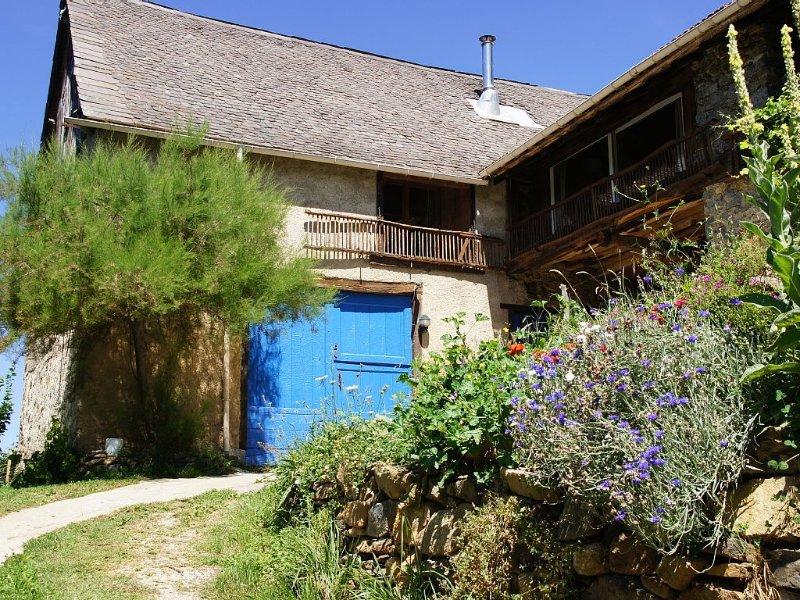 chalet de montagne au milieu du Parc Naturel des Pyrénées 09200 Moulis St Girons, vakantiewoning in Ariege