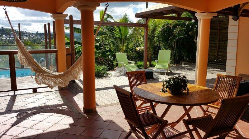 Villa Francesca - Piscine privée sur la route des plages, holiday rental in Sainte-Luce