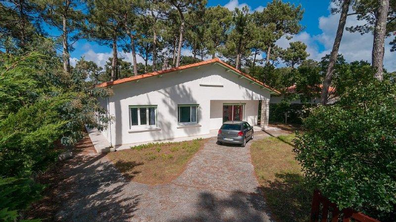 Jolie villa 3 étoiles,  sur terrain boisé à proximité de la plage et du lac, location de vacances à Biscarrosse