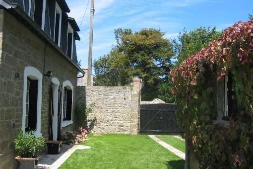 jardin avec garage